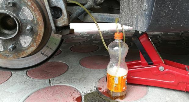 цена замены тормозной жидкости